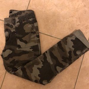 GAP camo chino straight leg pants size 00 Lk NEW